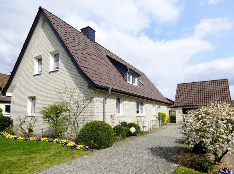Lotte-Büren – Ein Haus mit großem Grundstück und vielen Möglichkeiten!, 49504 Lotte